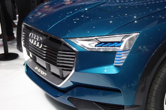 IAA 2015: Audi thách thức Tesla bằng E-tron Quattro đầy sắc sảo12