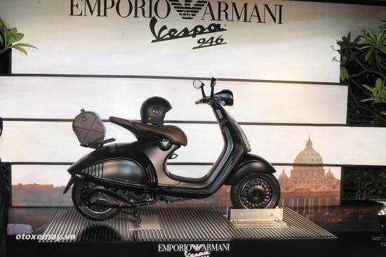 Siêu phẩm Vespa 946 Emporio Armani bao nhiêu tiền?_pic3