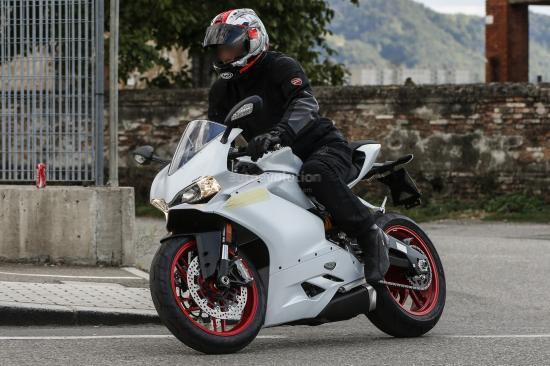 Ducati Panigale 959-2