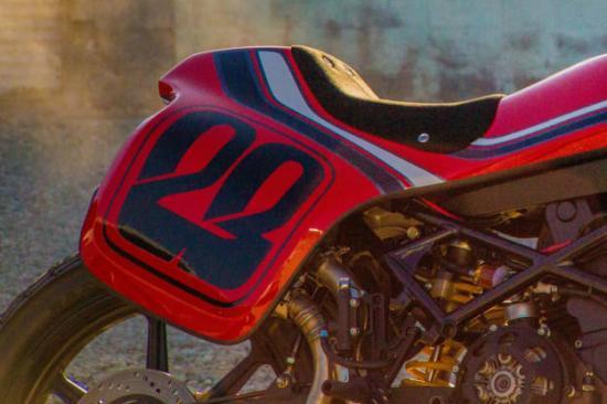 DAS MOTORRAD – Kĩ sư ô tô thiết kế xe máy độ 2