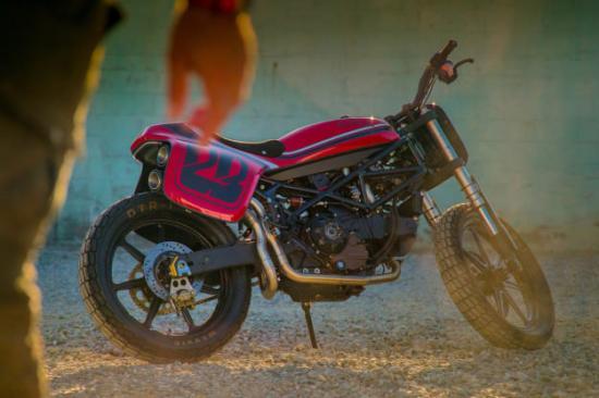 DAS MOTORRAD – Kĩ sư ô tô thiết kế xe máy độ 7