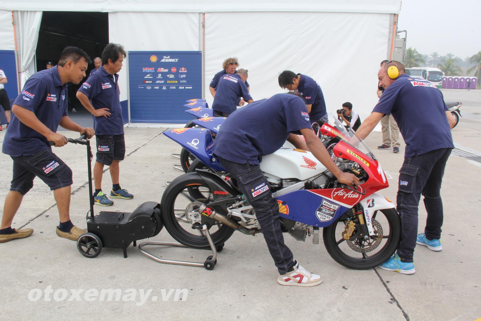 Xe đua Shell Advance Asia Talent Cup Honda NSF250R ảnh 23