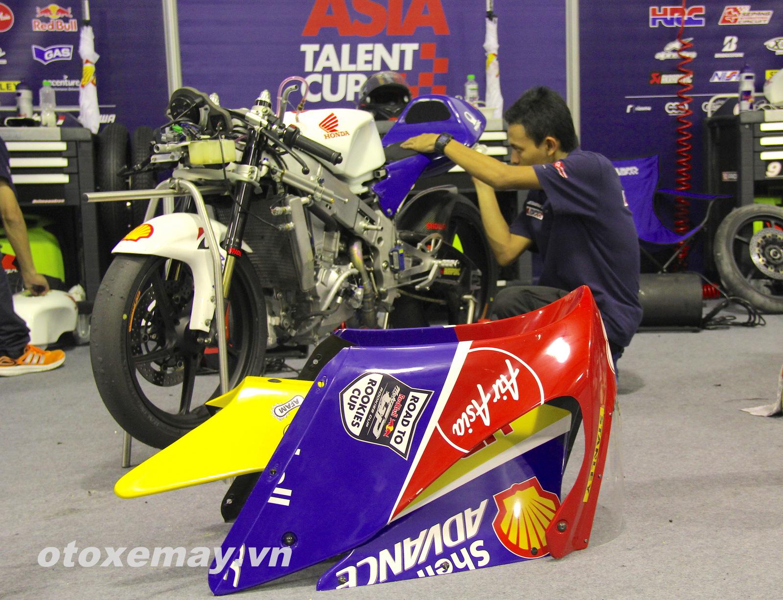 Xe đua Shell Advance Asia Talent Cup Honda NSF250R ảnh 10