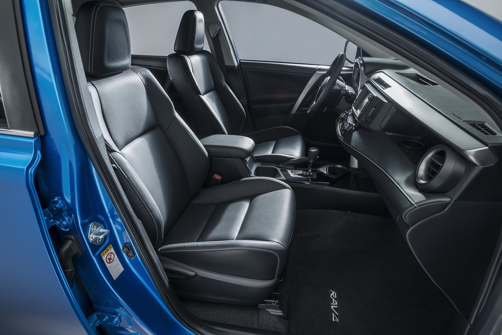 """Toyota RAV4 Hybrid 2016 """"bày hàng"""" chi tiết - ảnh 5"""