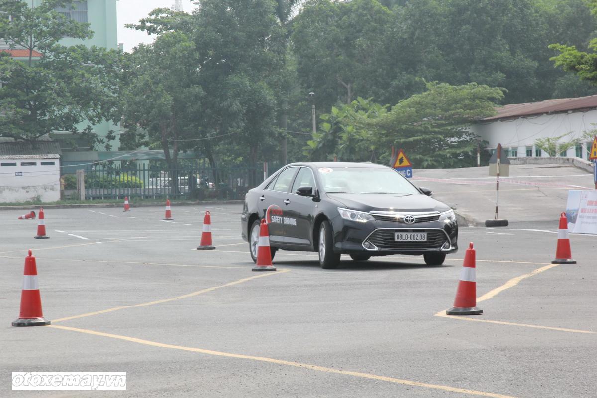 Toyota huấn luyện kỹ năng lái xe tại TP.HCM_ảnh1