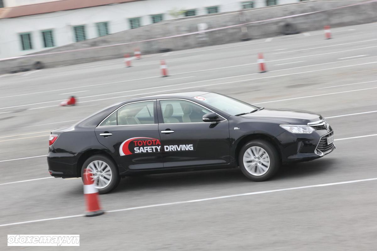 Toyota huấn luyện kỹ năng lái xe tại TP.HCM_ảnh3
