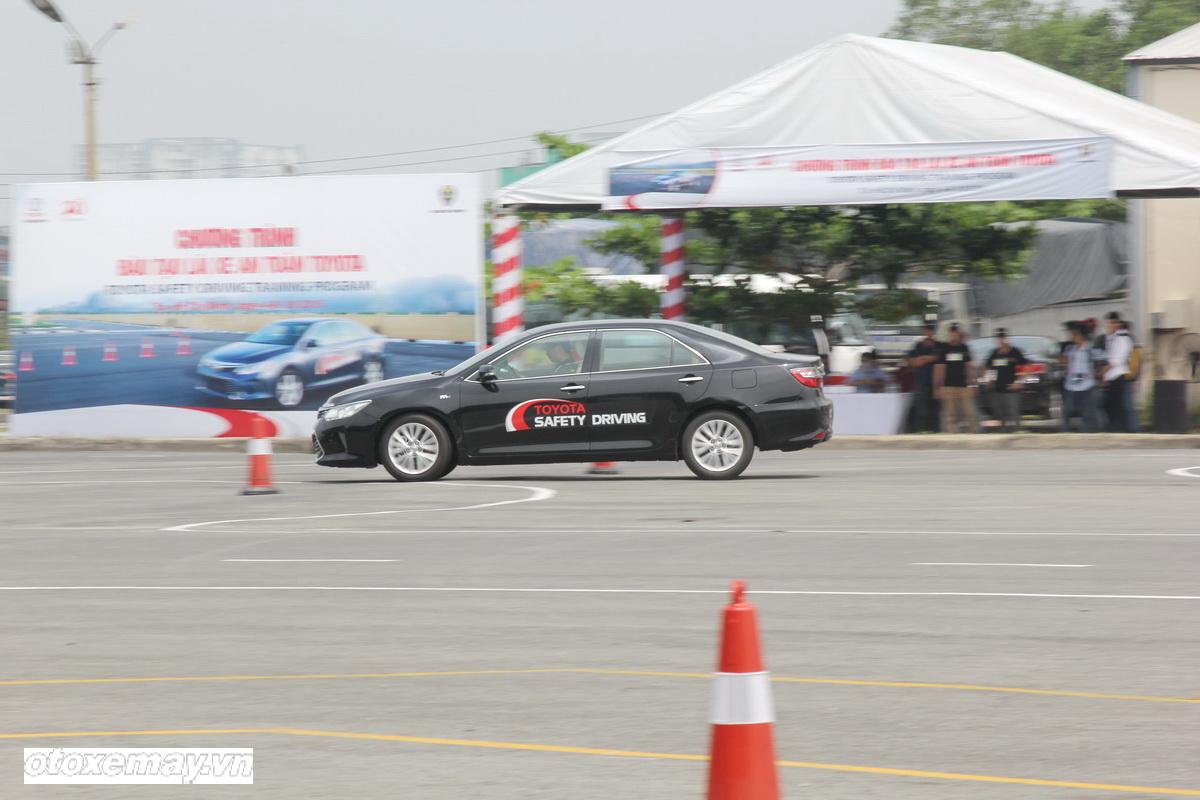 Toyota huấn luyện kỹ năng lái xe tại TP.HCM_ảnh4