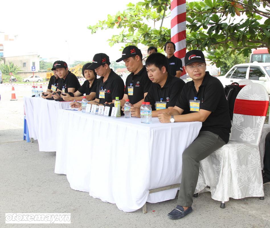 Toyota huấn luyện kỹ năng lái xe tại TP.HCM_ảnh6