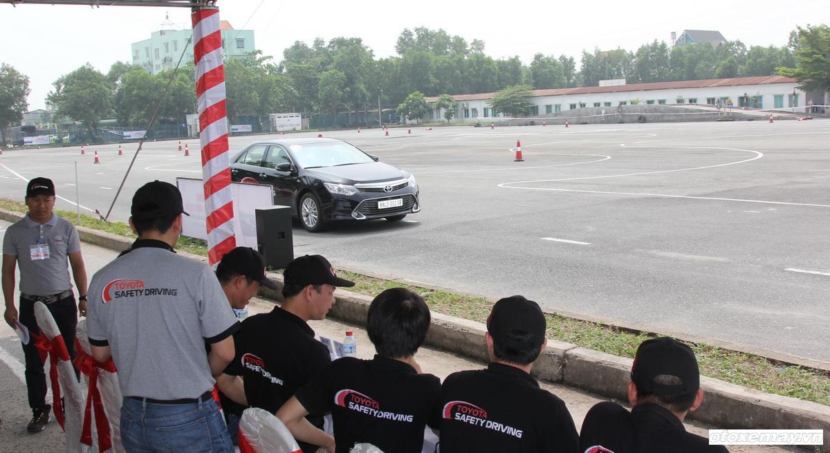Toyota huấn luyện kỹ năng lái xe tại TP.HCM_ảnh7