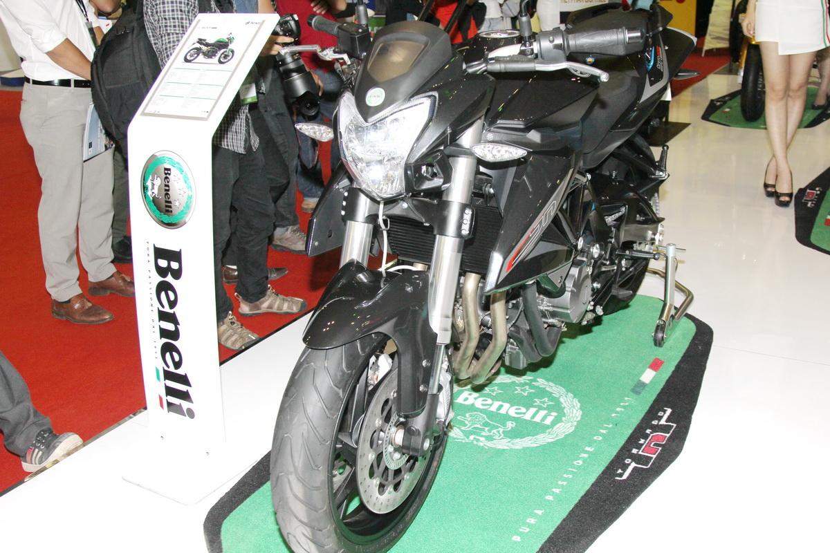 Mua Yamaha R3, Kawasaki Ninja 300 hay thêm 30 triệu đồng rước Benelli BN600i ABS?_3