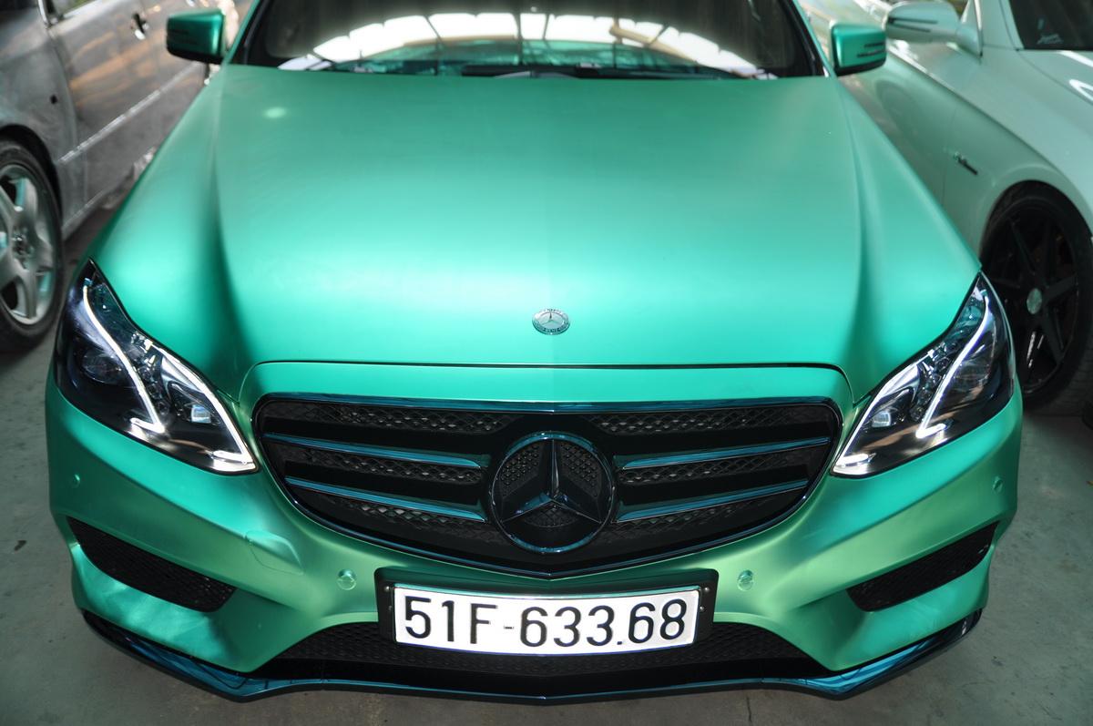 Mercedes E250 AMG đẹp hút hồn trên phố Sài Gòn với giá độ bình dân_4