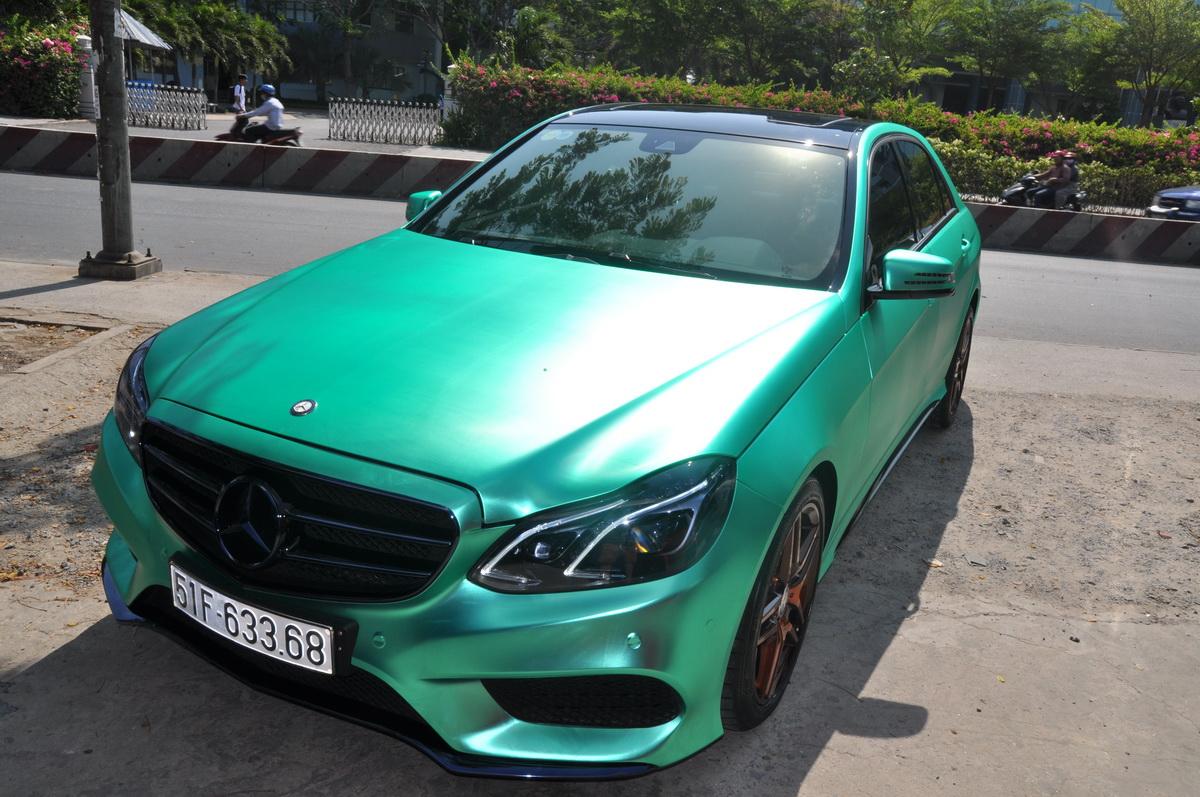 Mercedes E250 AMG đẹp hút hồn trên phố Sài Gòn với giá độ bình dân_1