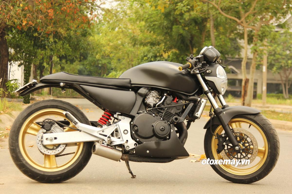 Honda Hornet 250 trở lại Sài Gòn hấp dẫn với kiểu độ Cafe Racer_2