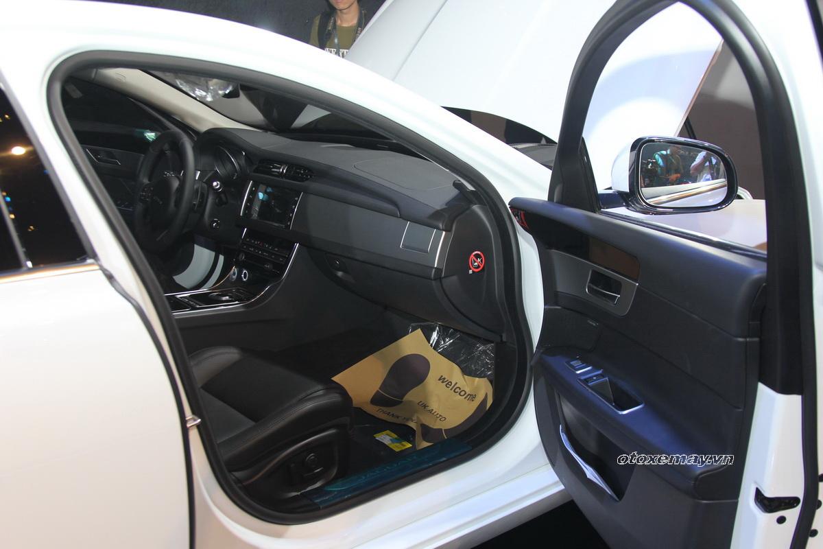 Khám phá Jaguar XF 2016 vừa ra mắt tại Việt Nam_16