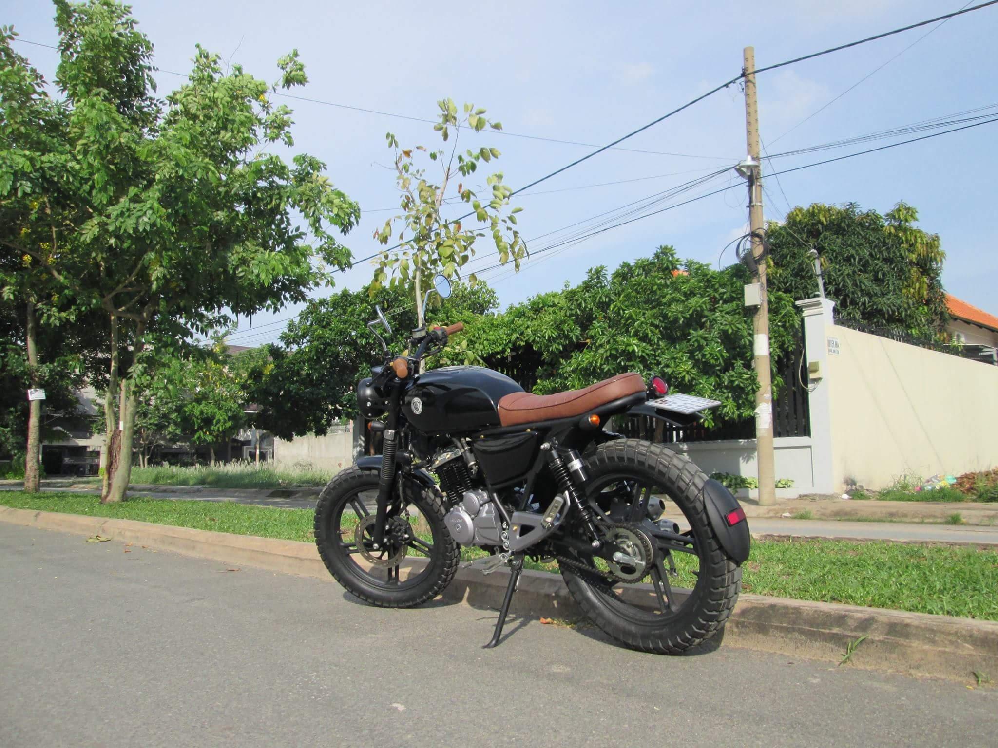 Thú vị nakedbike Suzuki EN 150 độ Tracker tại Sài Gòn_12