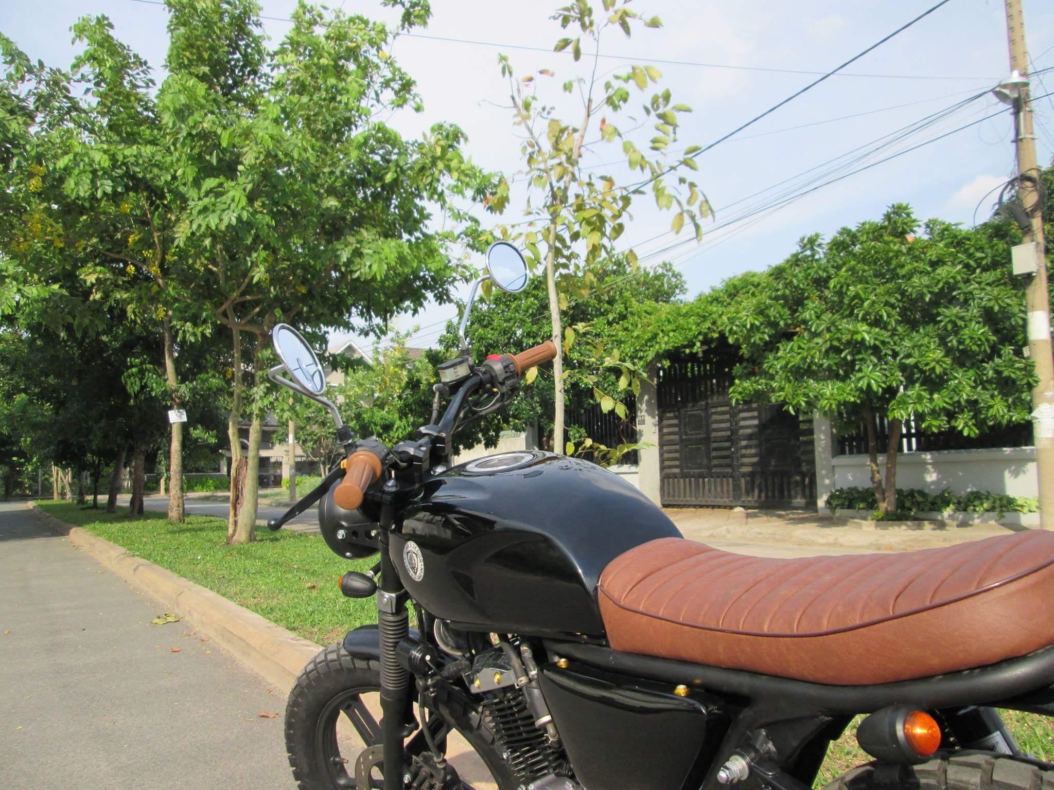 Thú vị nakedbike Suzuki EN 150 độ Tracker tại Sài Gòn_8