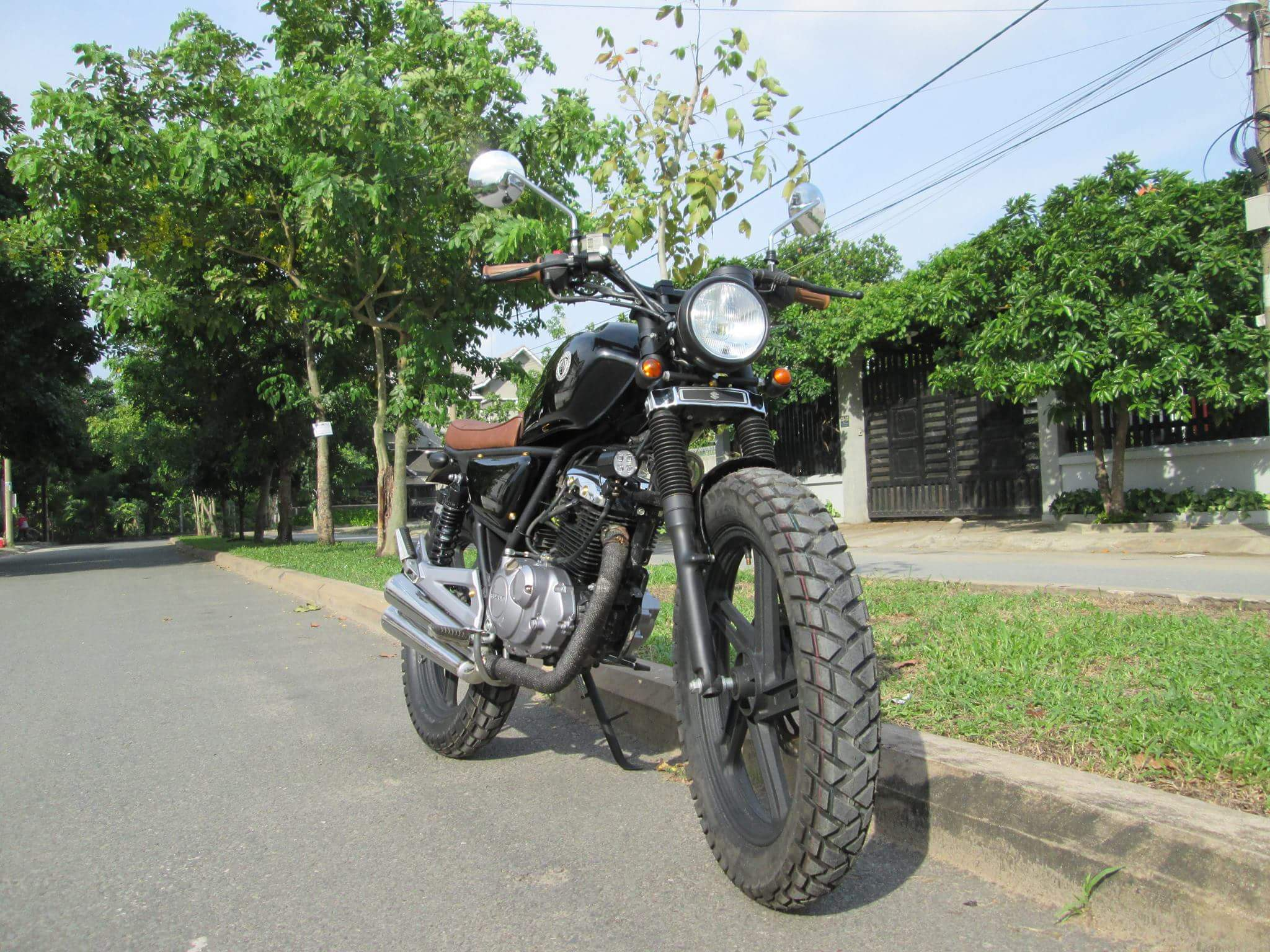 Thú vị nakedbike Suzuki EN 150 độ Tracker tại Sài Gòn_7