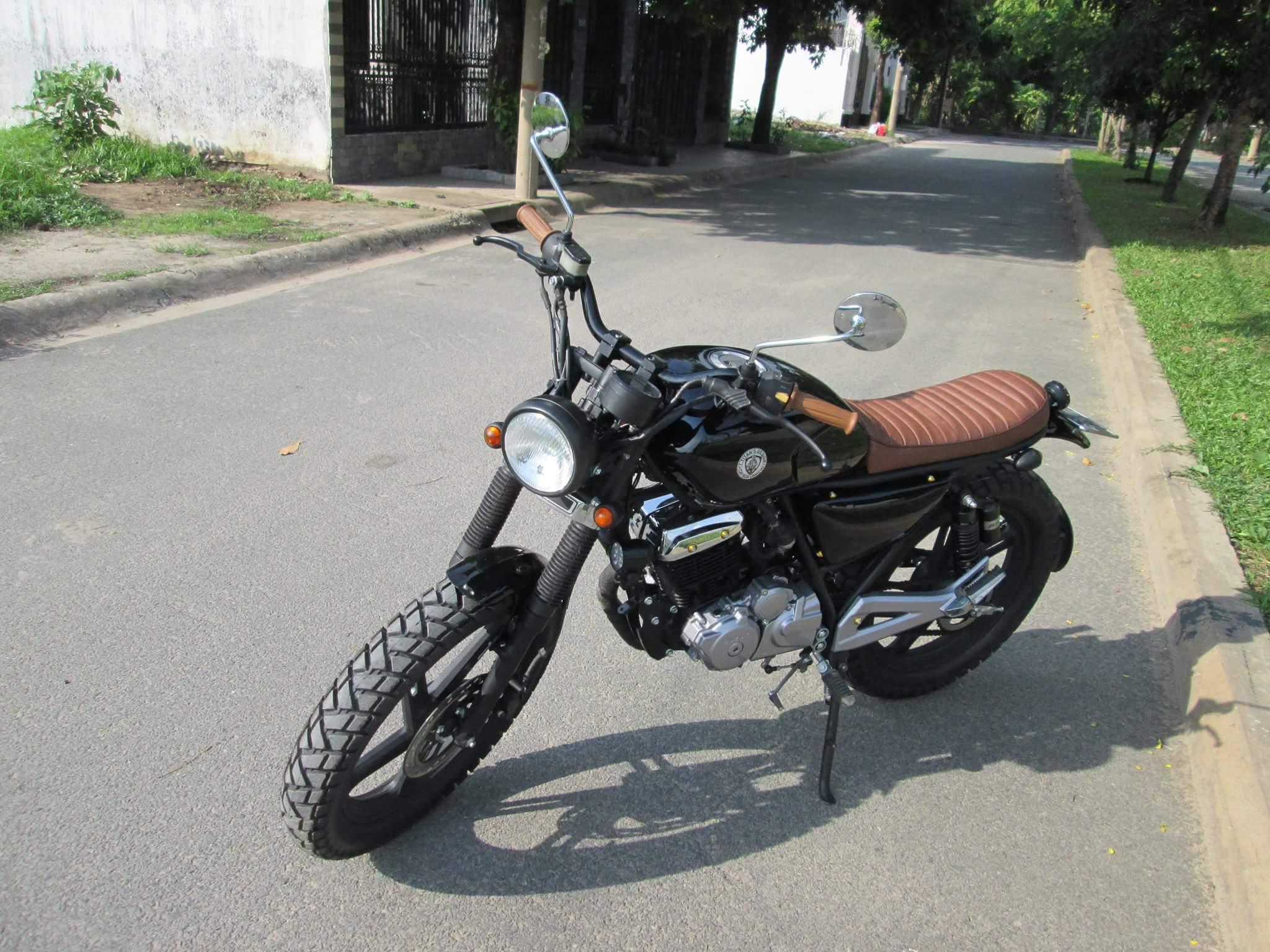 Thú vị nakedbike Suzuki EN 150 độ Tracker tại Sài Gòn_2
