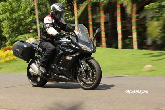 Lái thử bộ sưu tập mô tô Kawasaki cuối tuần tại Sài Gòn_1