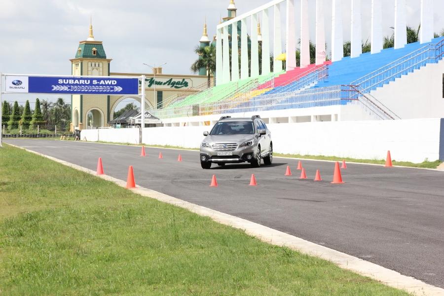 Trải nghiệm lái Subaru tránh nguy hiểm thường gặp_1