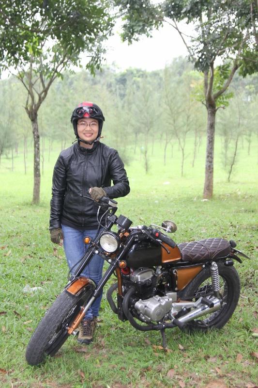 Biker nữ Bình Dương bộc lộ đam mê mô tô độ hiếm thấy_3