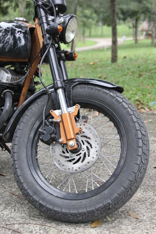 Biker nữ Bình Dương bộc lộ đam mê mô tô độ hiếm thấy_8
