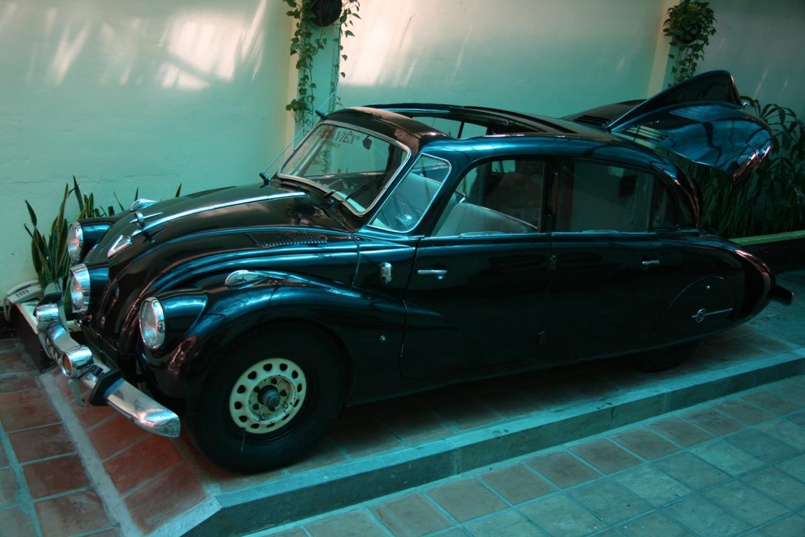 Ô tô cổ Tatra 3 đèn pha hàng độc tại TPHCM_2