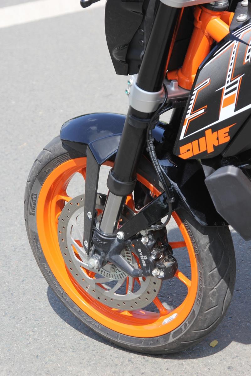 KTM Duke 390: bất ngờ nakedbike xứ lạ_8