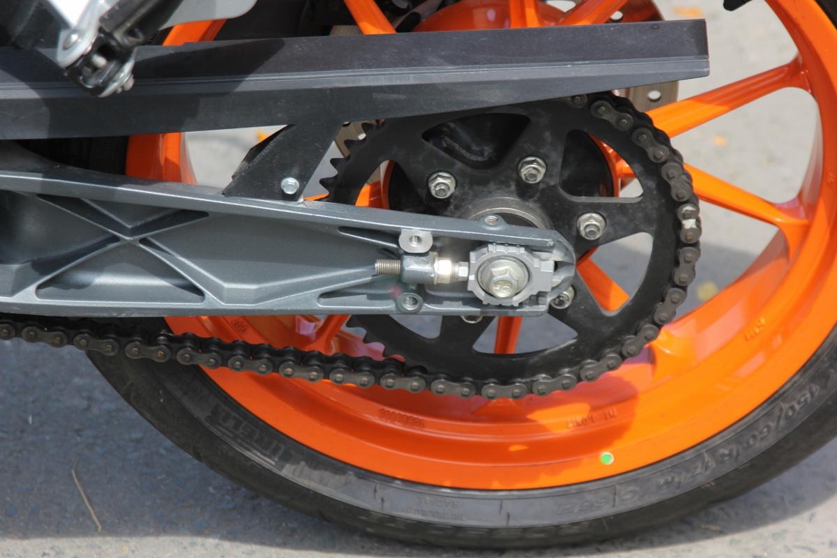 KTM Duke 390: bất ngờ nakedbike xứ lạ_15