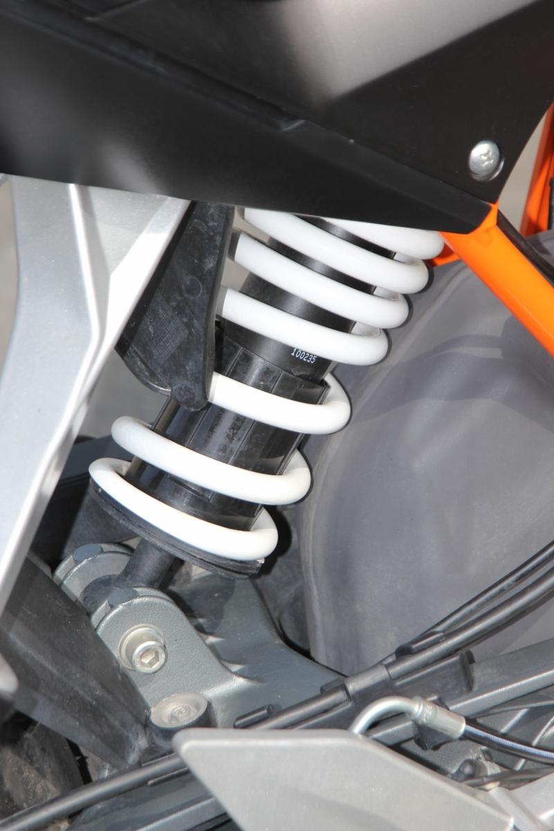 KTM Duke 390: bất ngờ nakedbike xứ lạ_13