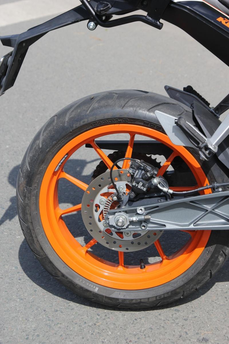 KTM Duke 390: bất ngờ nakedbike xứ lạ_9