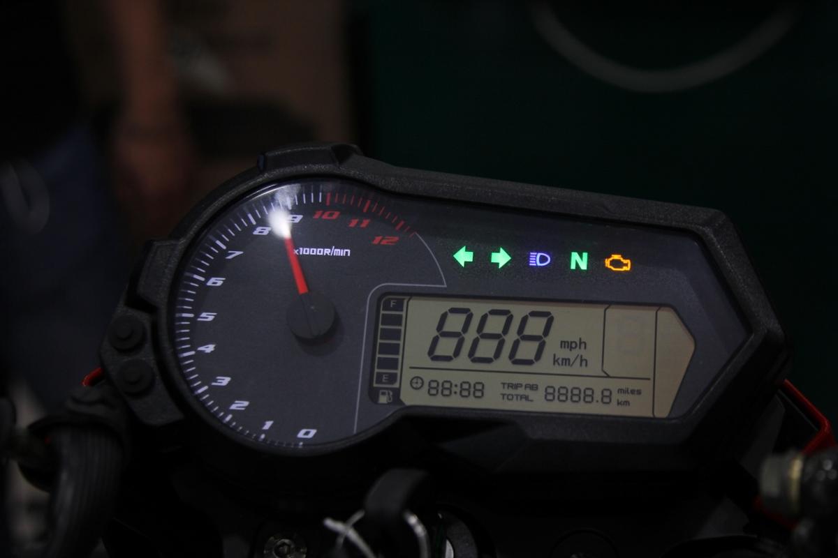 Honda MSX dè chừng Benelli TNT 125 giá 39,9 triệu đồng_5