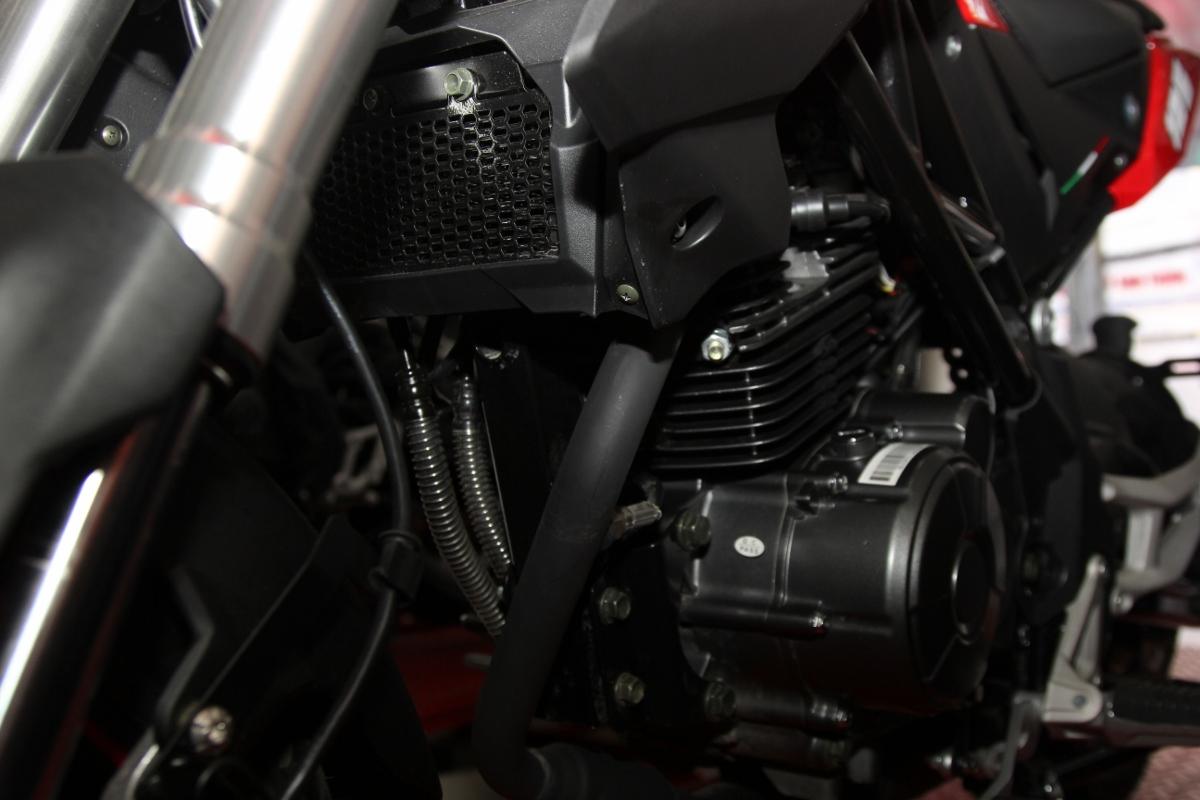 Honda MSX dè chừng Benelli TNT 125 giá 39,9 triệu đồng_6