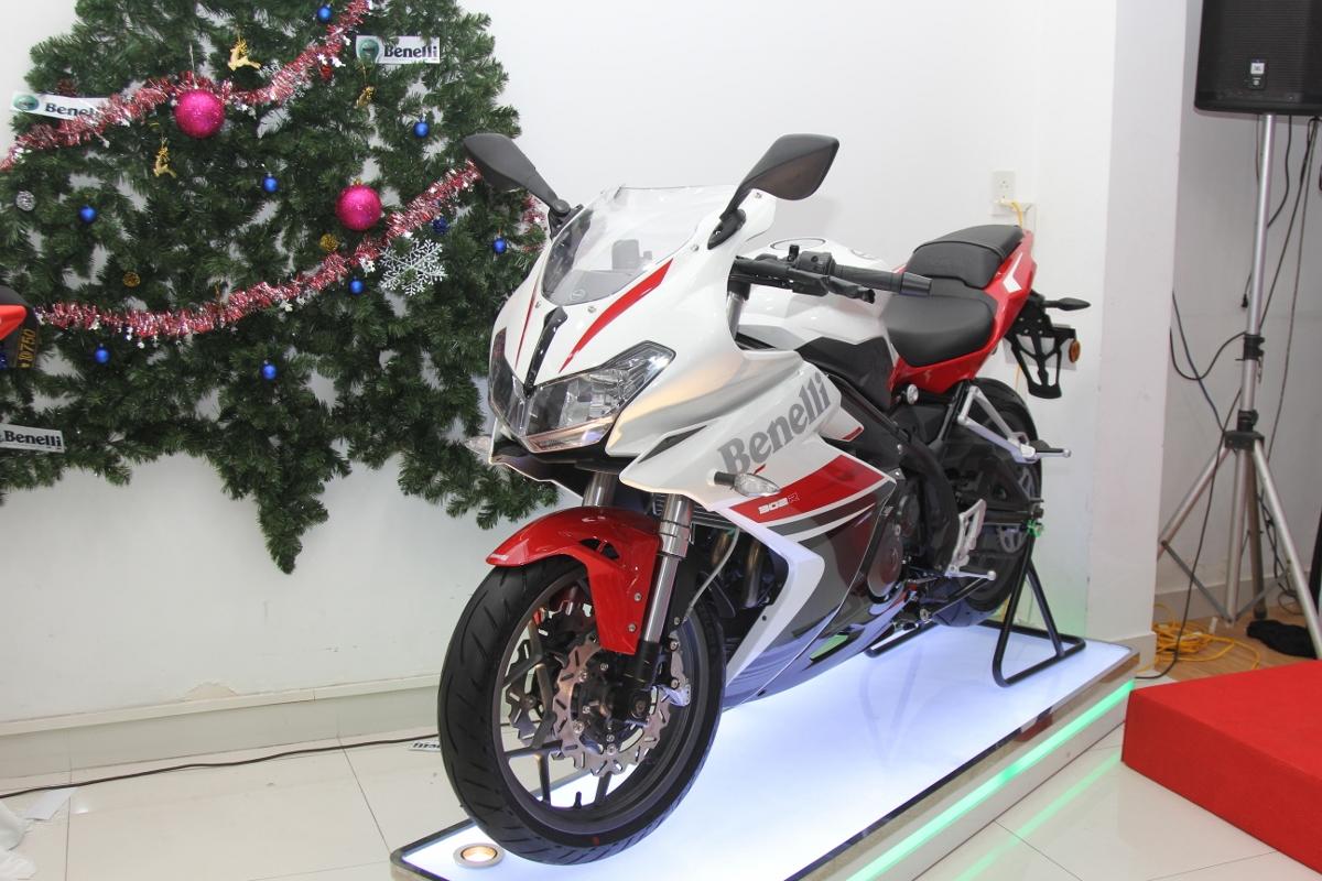 Benelli tung sportbike 302R rẻ hơn 50 triệu so với Yamaha R3_1