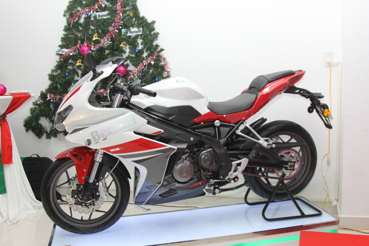 Benelli tung sportbike 302R rẻ hơn 50 triệu so với Yamaha R3_13