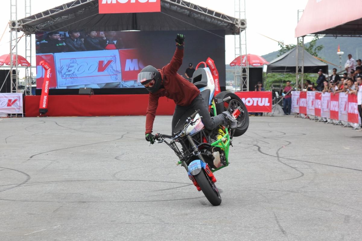 Motul Stunt Fest 2017 khai mạc thu hút fan Việt xem biểu diễn xe_1