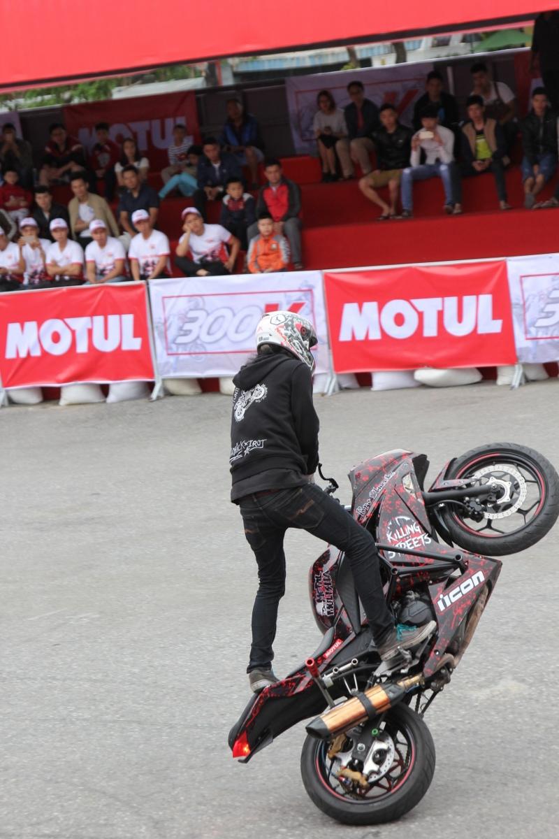 Motul Stunt Fest 2017 khai mạc thu hút fan Việt xem biểu diễn xe_9
