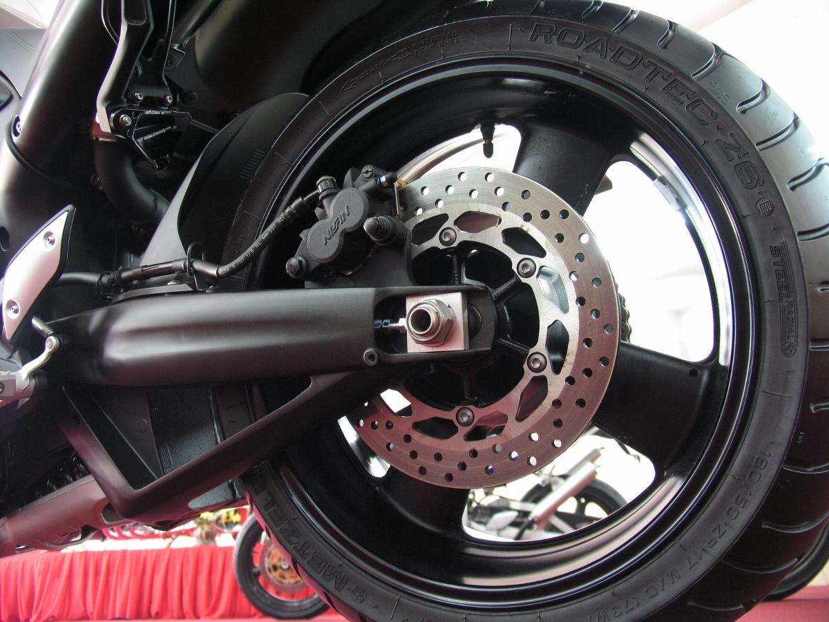 Chiêm ngưỡng một đại diện chuẩn mực dòng nakedbike - Yamaha MT-01_10