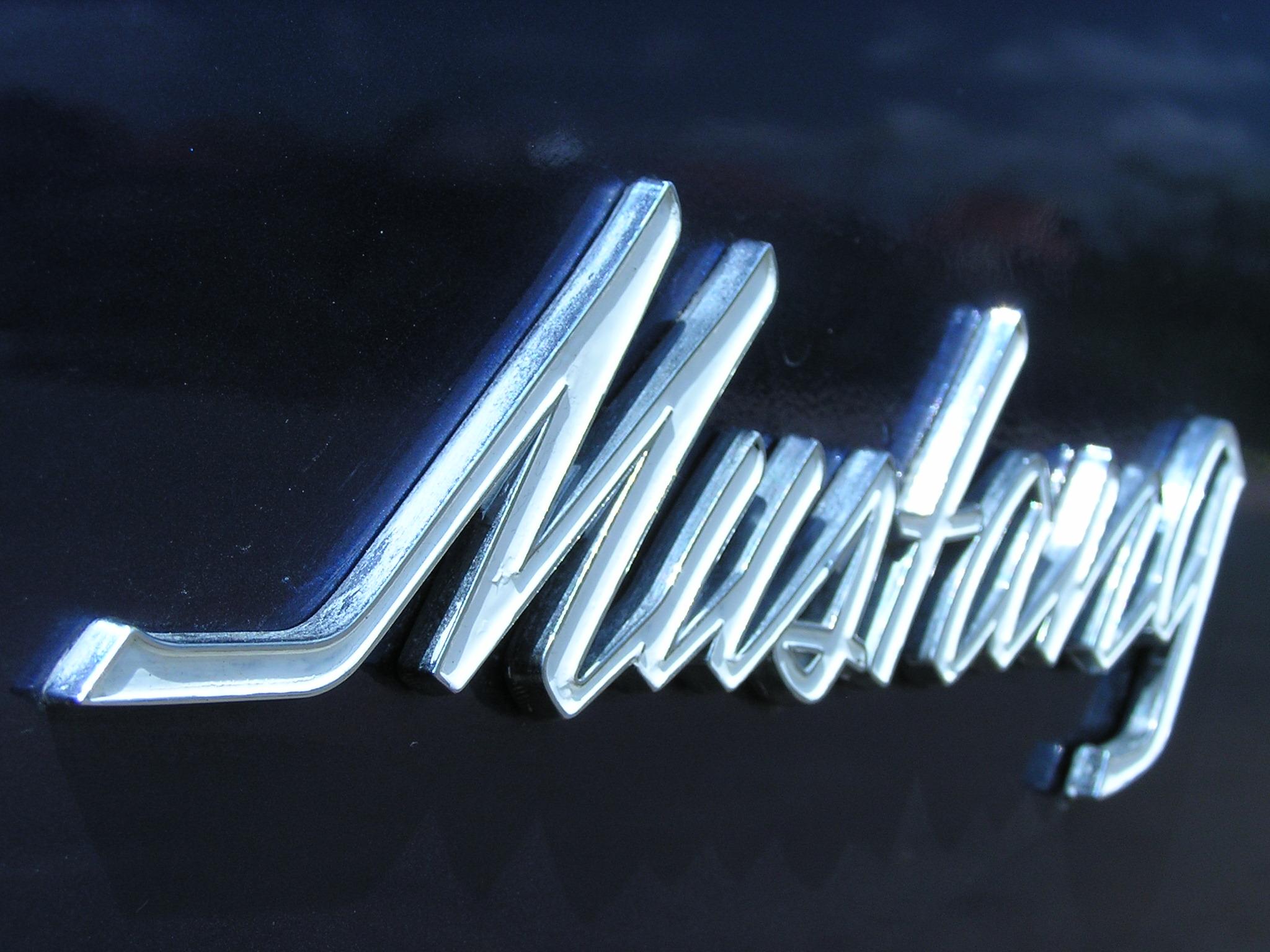 Khám phá xe cổ Ford Mustang 1970 tại Sài Gòn_17