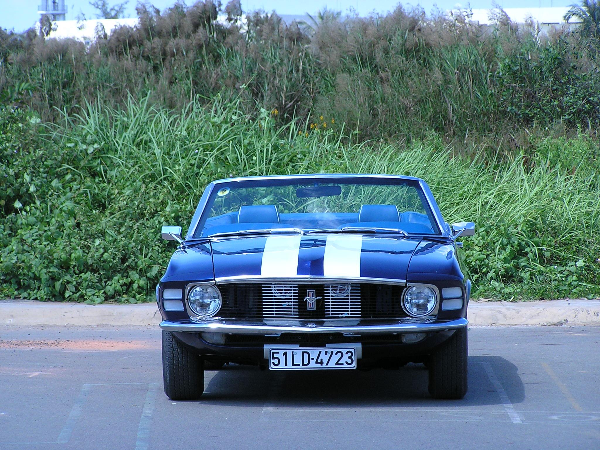 Khám phá xe cổ Ford Mustang 1970 tại Sài Gòn_4