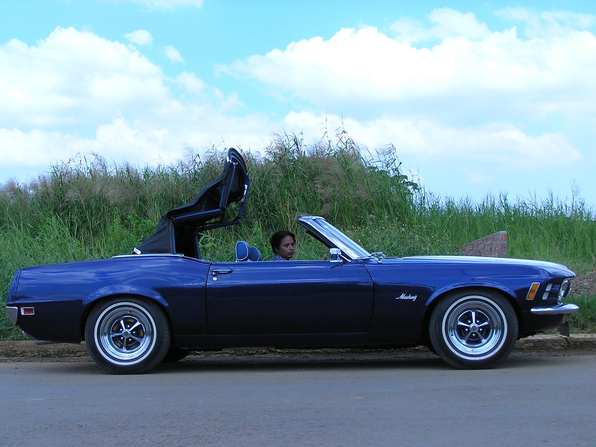Khám phá xe cổ Ford Mustang 1970 tại Sài Gòn_11