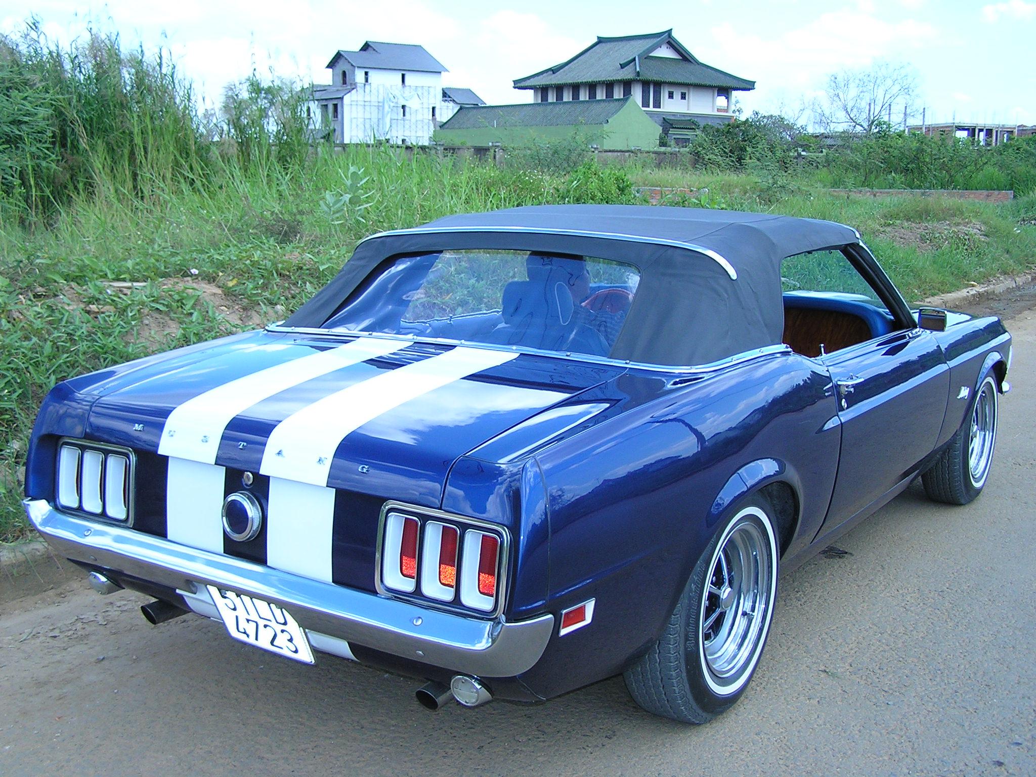 Khám phá xe cổ Ford Mustang 1970 tại Sài Gòn_19