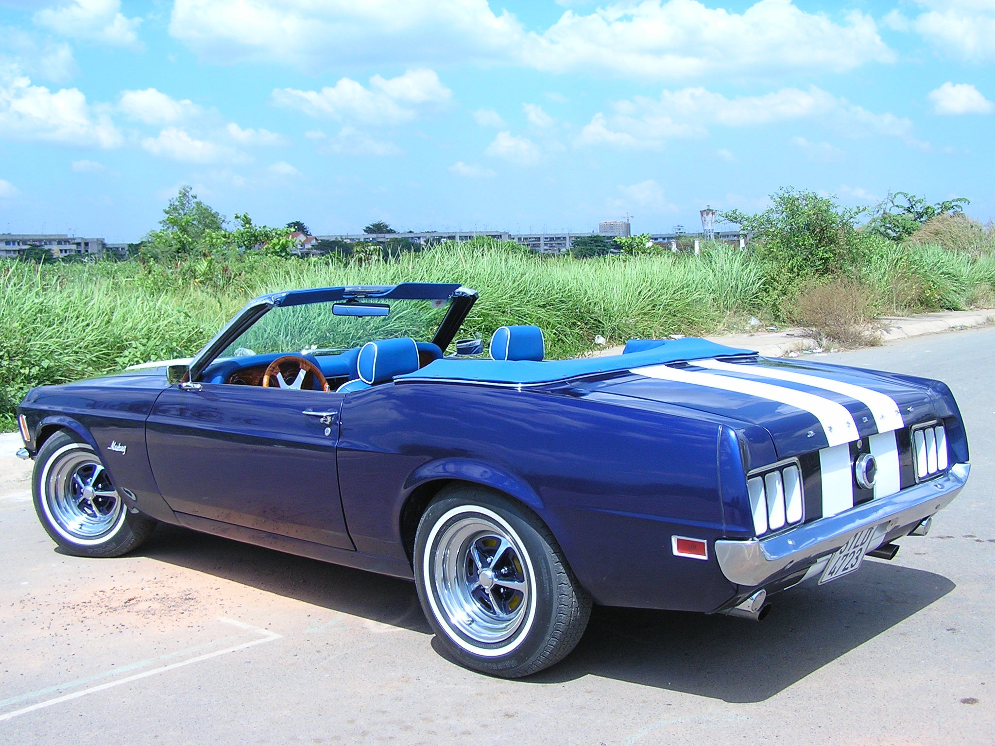 Khám phá xe cổ Ford Mustang 1970 tại Sài Gòn_20