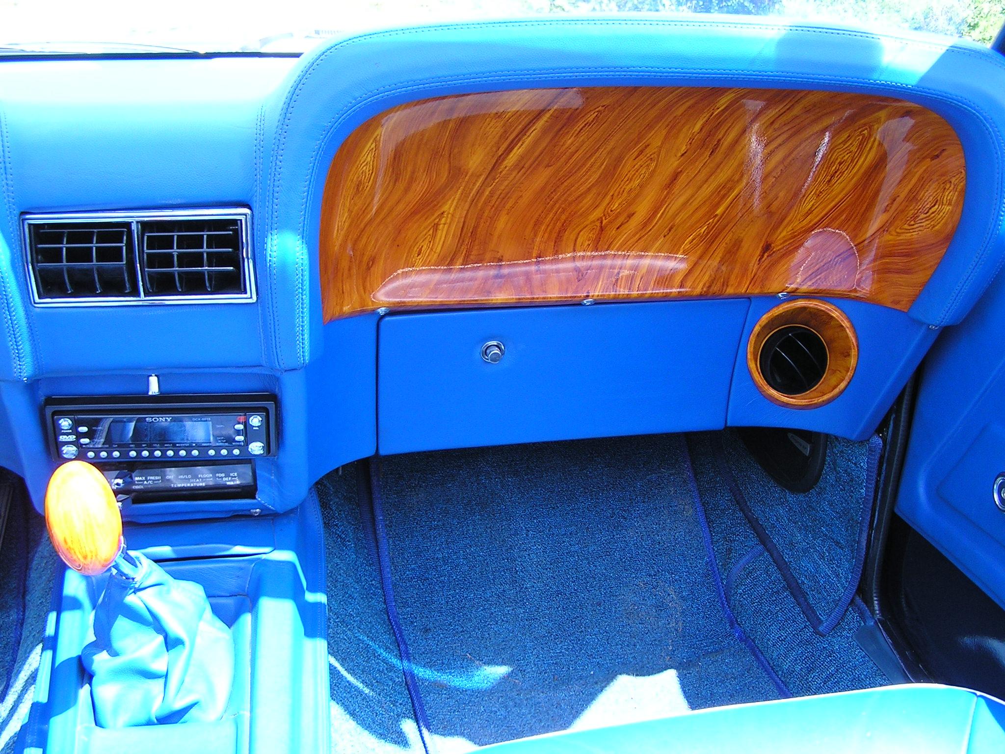 Khám phá xe cổ Ford Mustang 1970 tại Sài Gòn_8