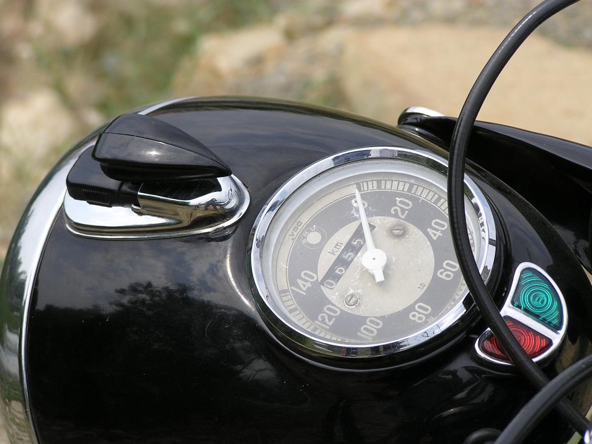 BMW R25 – chiếc môtô khơi niềm đam mê hơn 60 năm_5
