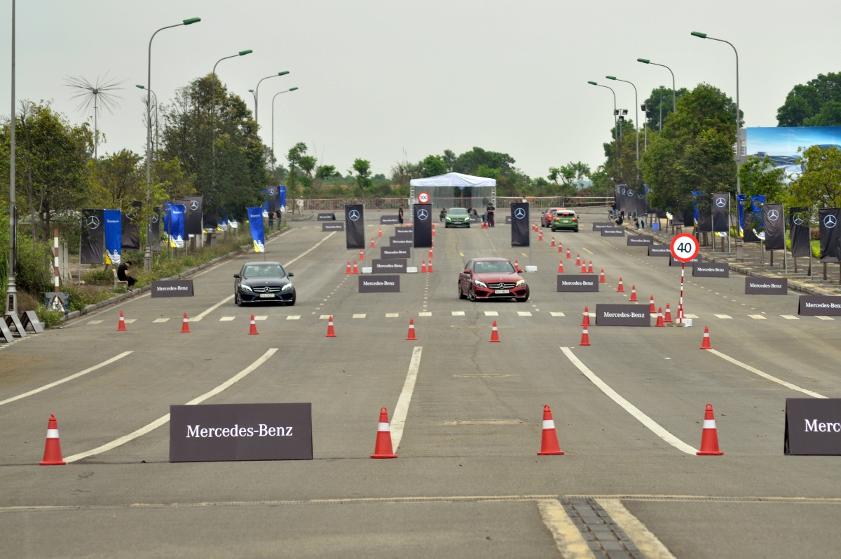 Thu-cam-giac-Fast-Furious-khi-kich-hoat-Race-Start-tren-xe-Mercedes-AMG-anh-1