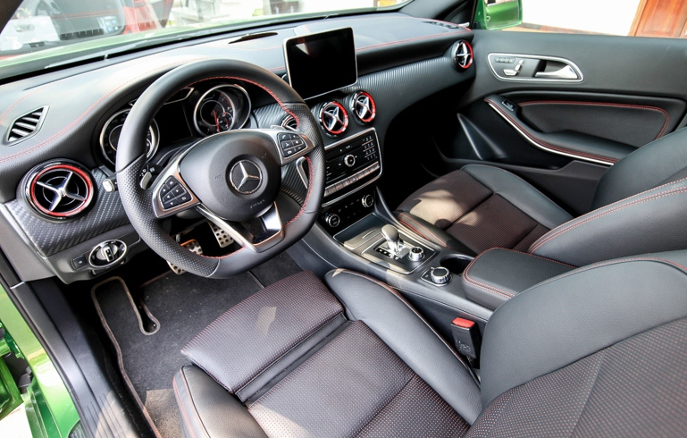 Thu-cam-giac-Fast-Furious-khi-kich-hoat-Race-Start-tren-xe-Mercedes-AMG-anh-6