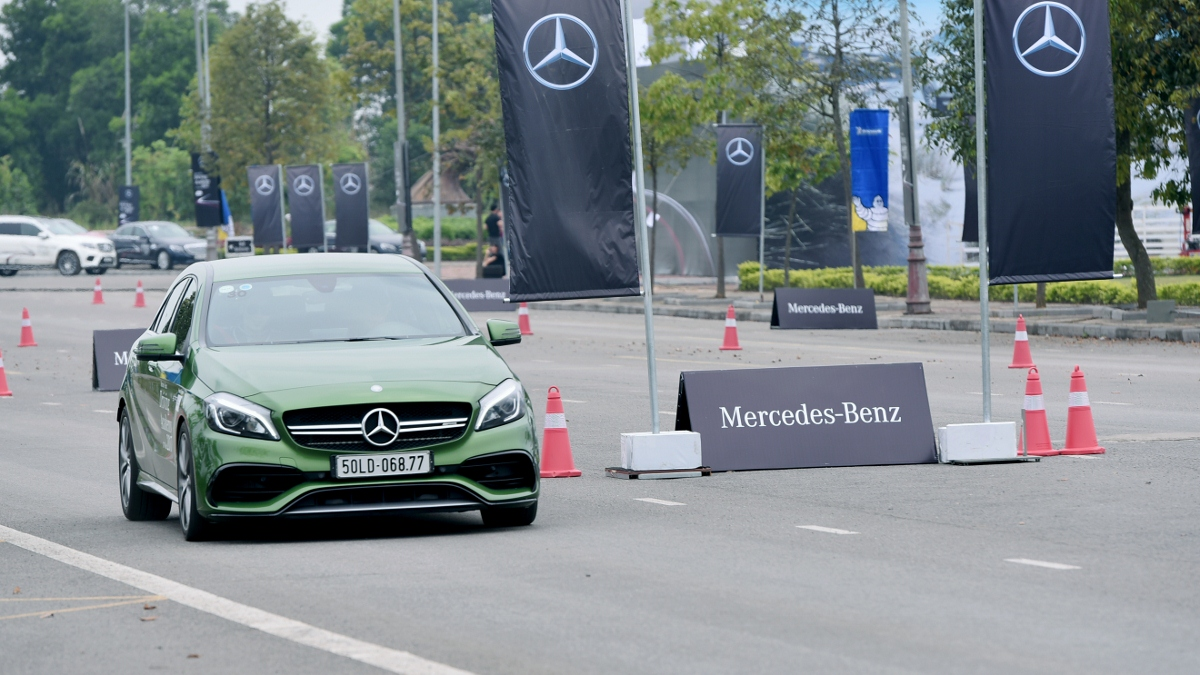 Thu-cam-giac-Fast-Furious-khi-kich-hoat-Race-Start-tren-xe-Mercedes-AMG-anh-5