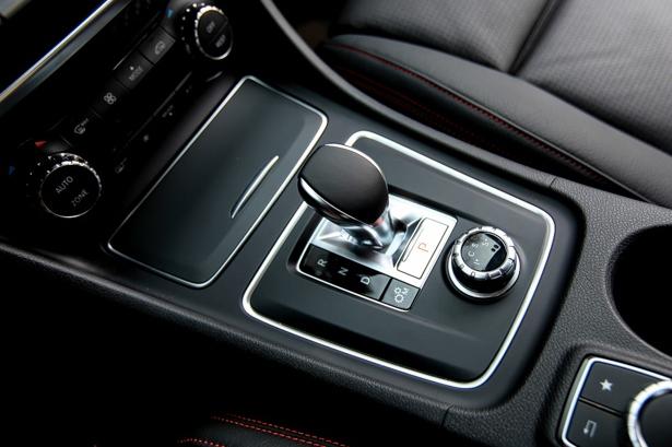 Thu-cam-giac-Fast-Furious-khi-kich-hoat-Race-Start-tren-xe-Mercedes-AMG-anh-7