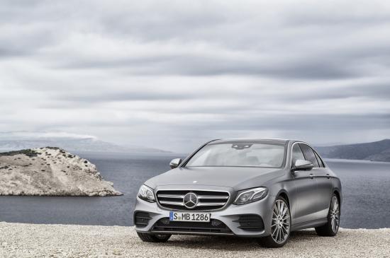 Audi-va-Mercedes-Benz-tham-gia-Trien-lam-Phong-cach-Song-chau-Au-dau-tien-tai-Viet-Nam-anh-1